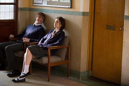 学生時代のロージーとアレックス